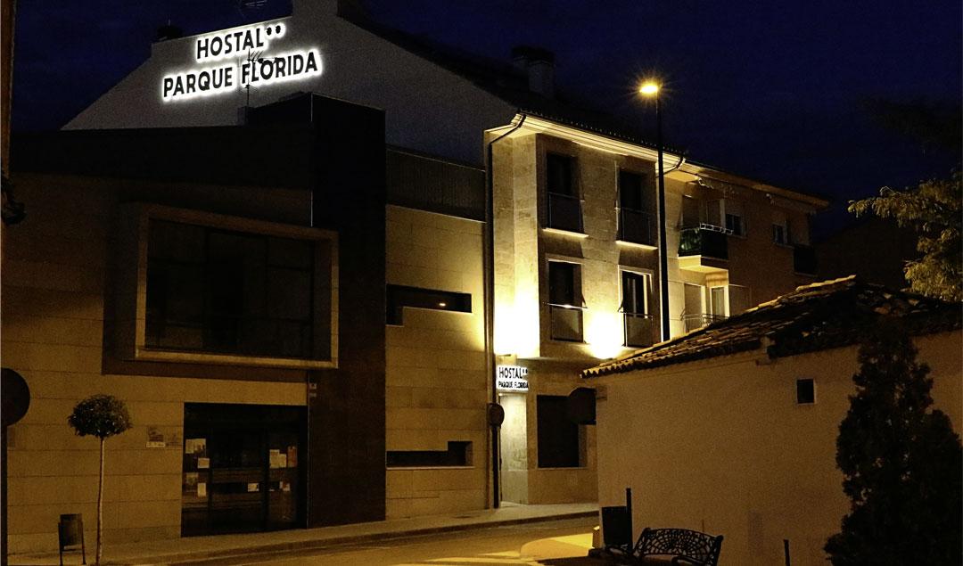 parqueflorida-hostal-entrada